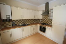 Flat to rent in Queenstown Road, London...