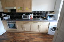 Old Lodge Lane Flat to rent