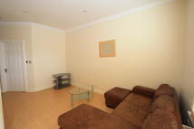 Flat in Queenstown Road, London...