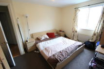 Flat to rent in Woodgate Drive, London...