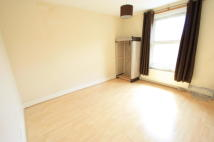 2 bedroom Flat in Kellino Street, London...