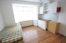 Studio apartment in Glencairn Road, London...