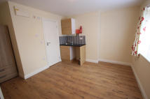 Studio flat in FREELANDS AVENUE...
