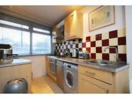 Flat to rent in BATTERSEA RISE, London...