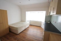Studio flat in Glencairn Road, London...