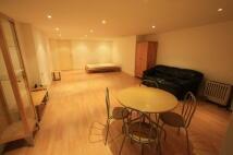 Studio apartment to rent in Trinity Road, London...