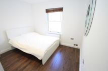Flat to rent in Alderbrook Road, London...