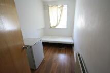 Studio flat in Lymington Close, London...