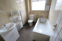 4 bedroom house in Durnsford Road, London...