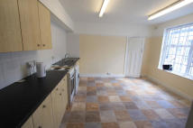Flat to rent in Bromley Road, Bromley...