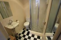 Studio flat to rent in Penywern Road, London...