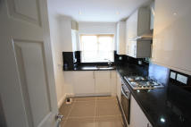2 bedroom Flat to rent in Lawrie Park Gardens...