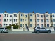 2 bed Ground Flat to rent in Flat 2 West End Parade...