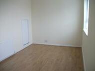 Flat to rent in Spelman Street, London...