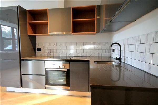 Kitchen/ Louge