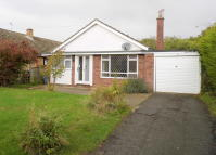 Detached Bungalow to rent in East Bergholt