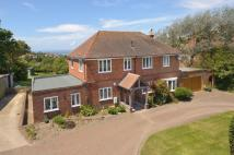 5 bedroom Detached home in Totland Bay...