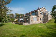 4 bedroom Detached house in Totland, Isle of Wight