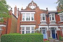 Flat to rent in Cowley Road, Mortlake