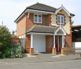 2 bedroom Detached property to rent in Horseshoe Crescent...