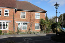 Apartment to rent in Crossways, Beaconsfield...