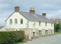 6 bedroom Detached property in Cilcain Road, Pantymwyn...
