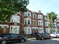 2 bed Flat to rent in Hemstal Road...