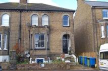 2 bed house to rent in Newton Road, Faversham...