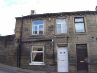 3 bed End of Terrace house to rent in Penistone Road, New Mill...
