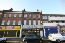 Flat to rent in Well Hall Road, Eltham...