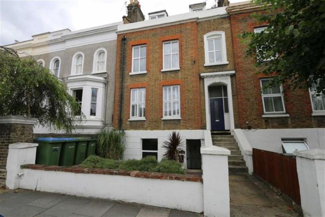 2 Bedroom Flat To Rent In Burrage Road Woolwich London Se18 Se18