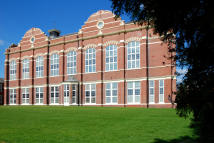 2 bed Flat for sale in Beningfield Drive...