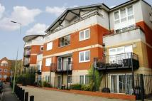 3 bedroom Flat in Penn Place...