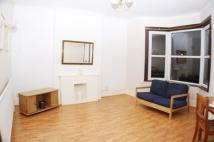 Apartment to rent in Holbeach Road,  Catford...