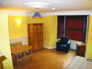 Studio flat to rent in Hammersmith Grove...