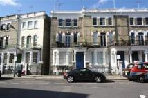 Studio flat in Stanwick Road...