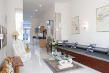 Flat to rent in Phillimore Gardens...