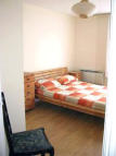 Studio flat in Old Oak Road, Acton...