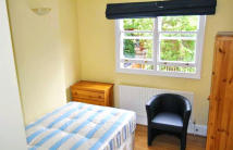 St Stephens Gardens Studio flat to rent