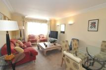 2 bed Flat in Regent Court...
