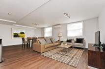 3 bedroom Flat to rent in Sutherland Avenue...