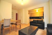 Flat to rent in Cheniston Gardens...