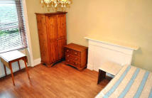 Studio flat to rent in Glazbury Road...