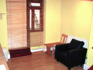 Studio flat to rent in Princes Square...