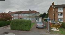 End of Terrace property to rent in Midhurst Gardens...