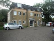 Apartment in Parkfield Close, EDGWARE...