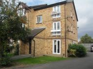 Flat to rent in Wheatsheaf Close...
