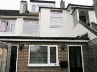 2 bed Flat to rent in Clarendon Parade...