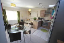 2 bed Apartment in Ffordd Nowell, Penylan...