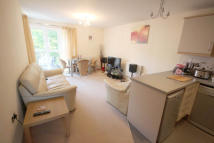 Apartment to rent in Clive Road, Canton...